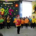 Jesień gości na Dniu Nauczyciela - PP Nadzów 09